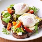 Avo-Smash-with-poached-eggs